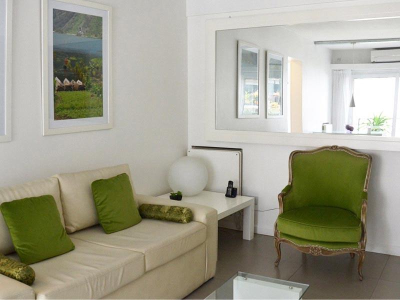 Apartment in Palermo Soho, Mint Velvet