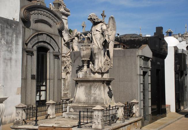 cemetery recoleta buenos aires